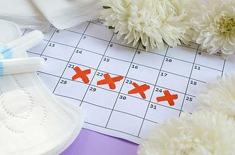 Menstrual pads and tampons on menstruati