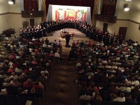 Bakersfield Masterworks Chorale 2014.jpg