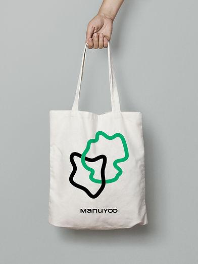 MANUYOO_tote_03_mock_04.jpg