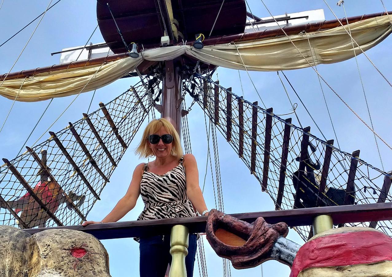 SKULL AND CROSSBONES Dragon pirate boat trips Ölü Deniz Turkey