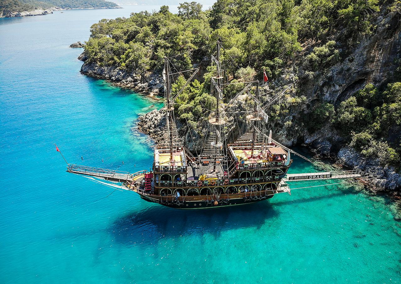 AWESOME Dragon Pirate Boat Trip Ölü Deniz Turkey