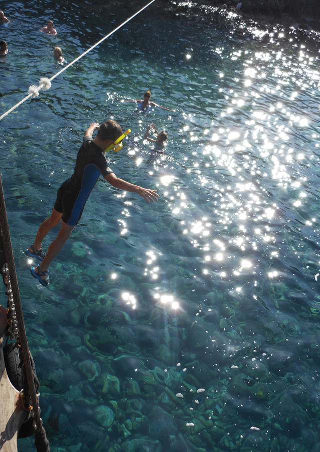 BRAVE Dragon Pirate Boat Trip Ölü Deniz Turkey