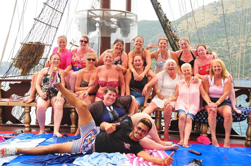 FUN FRIENDS on dragon pirate boat trip Ölü Deniz Turkey