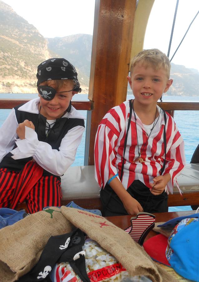 PIRATES Dragon Pirate Boat Trip Ölü Deniz Turkey