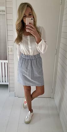 Jupe courte bleue et blanche