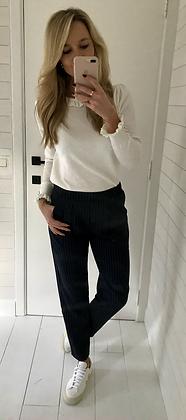Pantalon fuide finement rayé