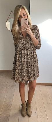 Robe léopard courte