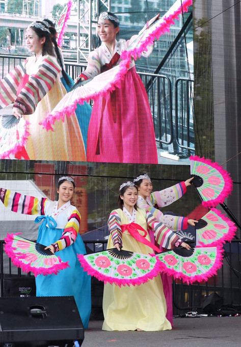 2020 Crown Riverwalk CNY Performance