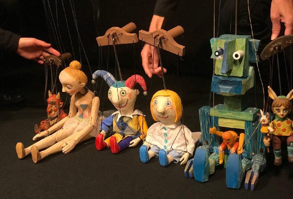 チェコの現代糸あやつり人形たち