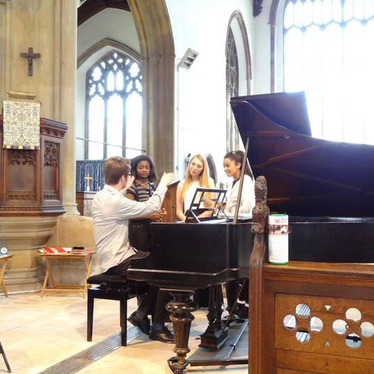 Matthew and singing trio 'Vibe'