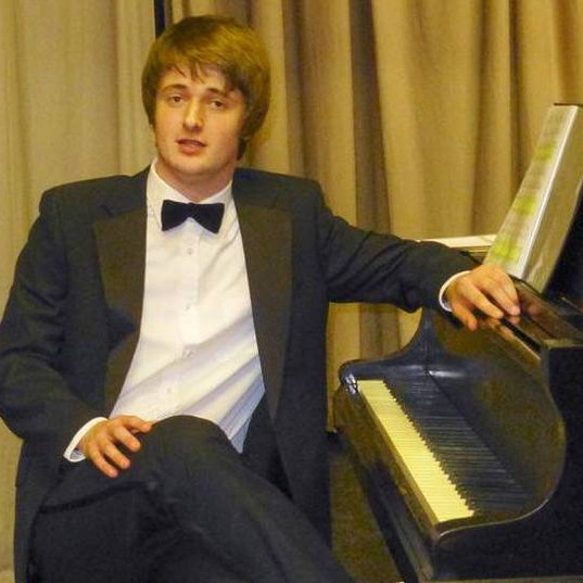 Matthew plays a solo piano recital in The Maltings