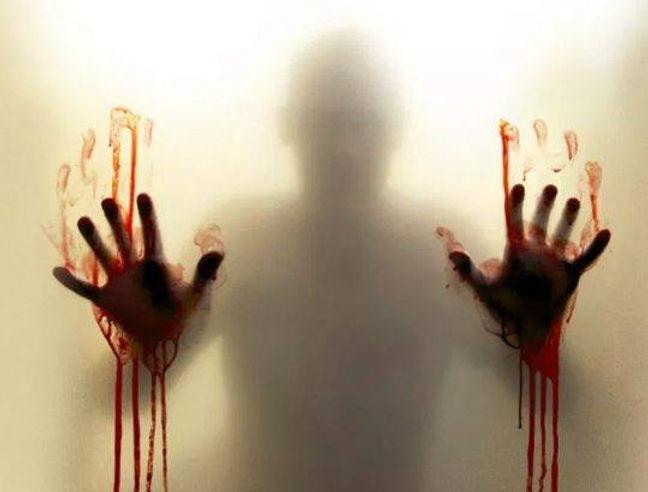 homem sangue vidro.jpg