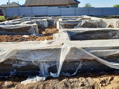 Свайно-ростверковый фундамент под дом с гаражом