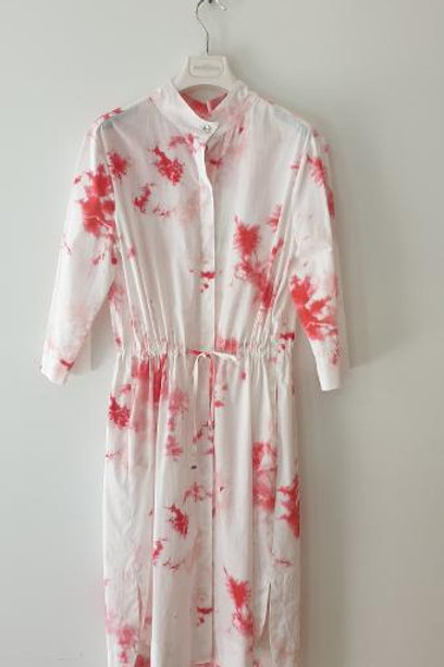 Robe Tie and Dye blanche et rouge AIRFIELD