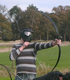 Bij shootout pauwauw krijg dragen alle schutters  een gezichtsmasker.