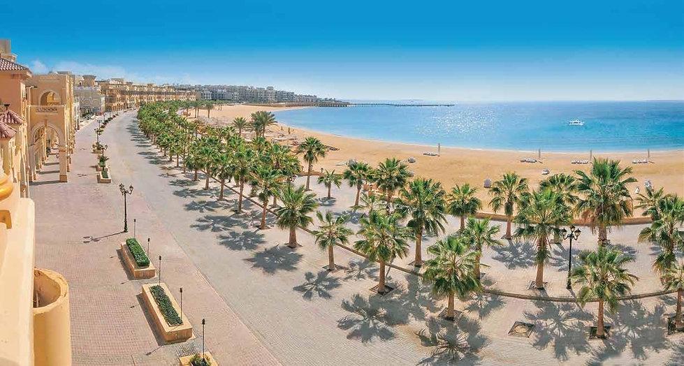 the beach in Sahl Hasheesh