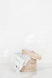 haute-stock-photography-laundry-bath-fin