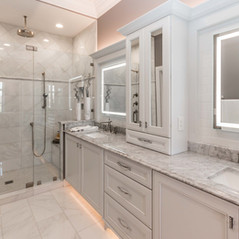 plote custom home bathroom