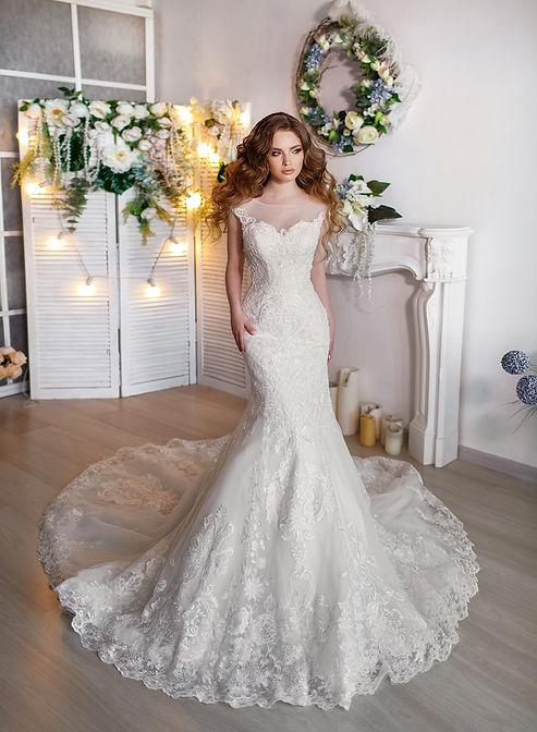 Esküvői ruhavarrás méretre-Somodi Ágnes