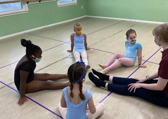 young children dance.jpeg