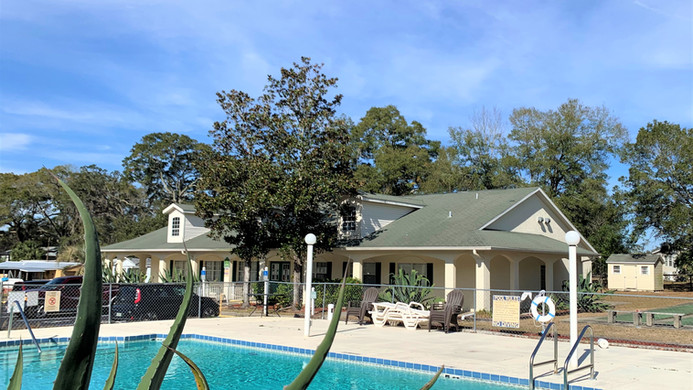 Pool View towards clubhouse.jpg
