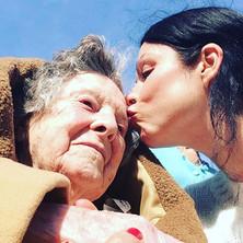 ❤️ #grannysgirl #mothersday #sunshine #b