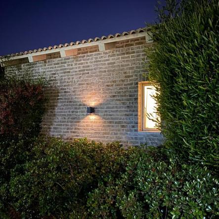 תאורה סולארית על בית פרטי