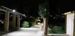 תאורה סולארית בבית עלמין