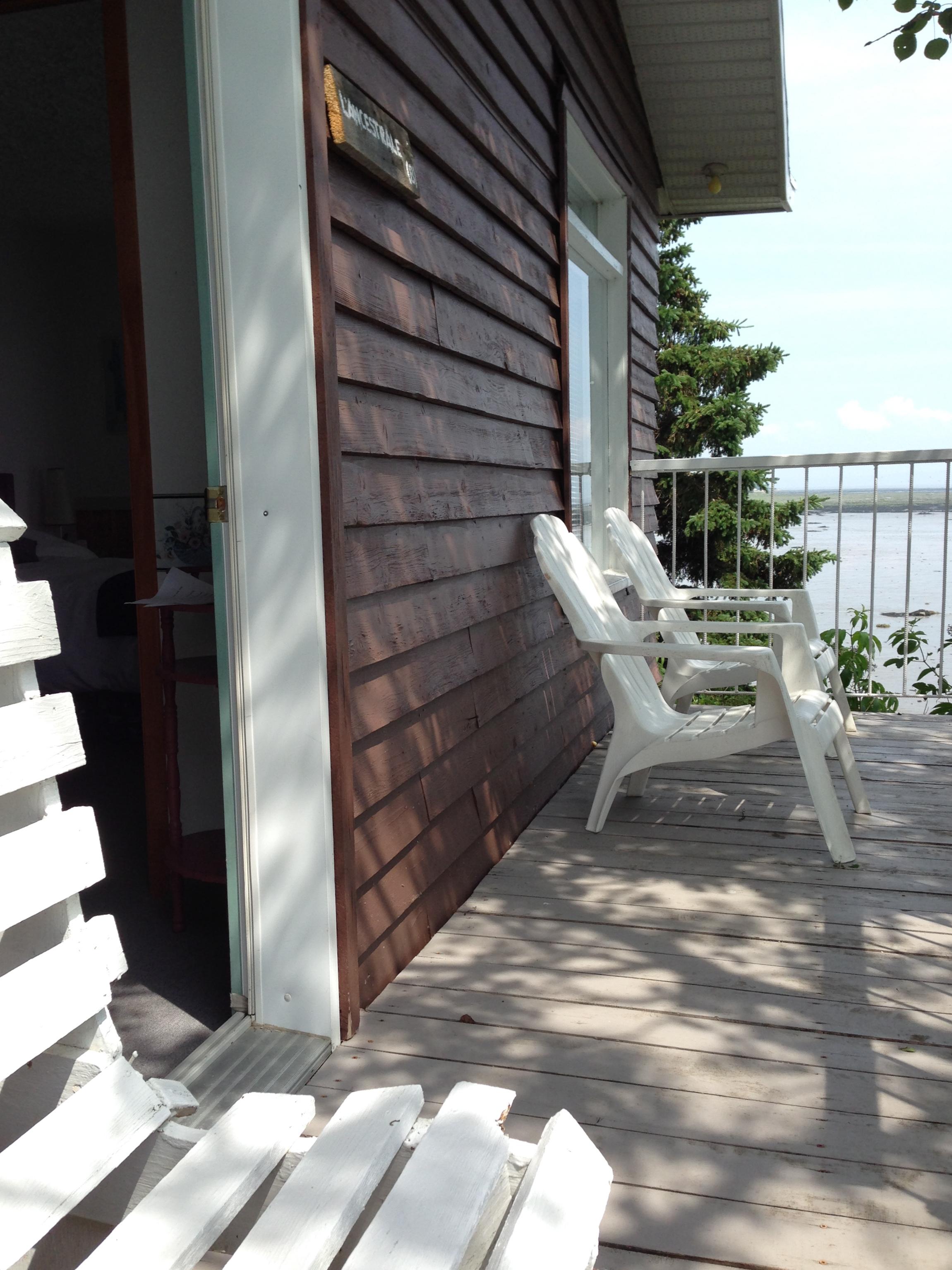 Le balcon de l'ancestrale et son entrée
