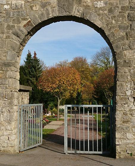 Friedhof Eingang.JPG