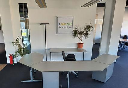 Flex desk.jpg