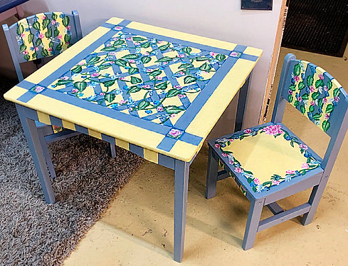 Ivy Childrens Table and Chairs