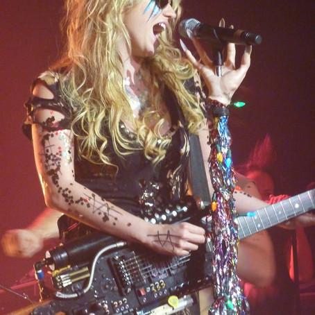 Praying KeSha Guitar