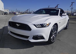 Delvan, location Mustang 5.0 blanche convertible 2018