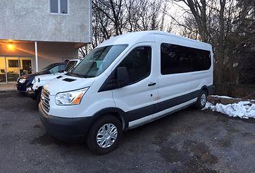 Delvan Location Minibus 8 passagers