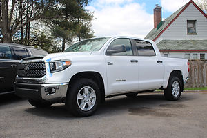 Location camionnette Toyota Tundra à Longueuil