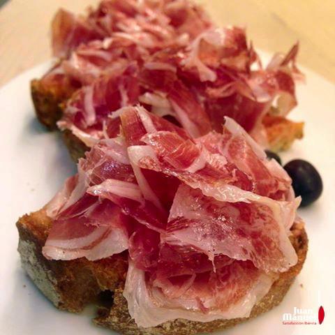 Un desayuno excepcional debe ir acompañado de una tosta de Jamón Ibérico