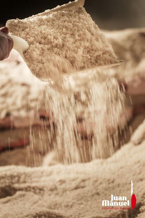En Juan Manuel usamos sal natural garantizando un proceso 100% natural y sano