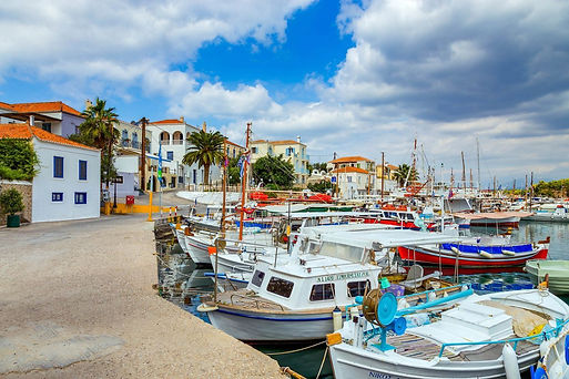 spetses-old-harbour-1280.jpg