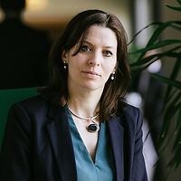 1.A.Elisabeth Braw.png