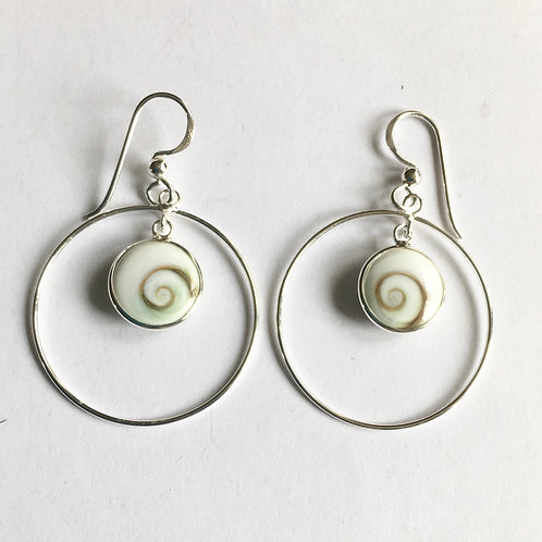 Large Ring with Shiva Shell Charm Drop Earrings