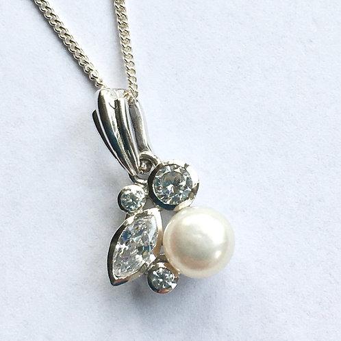 Pearl & CZ Pretty Pendant