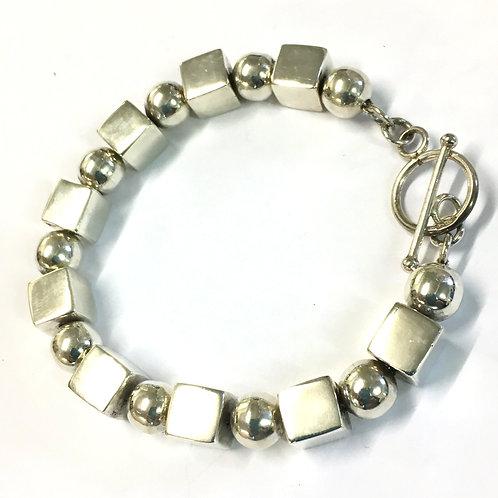 Chunky Cube & Bead T Bar Bracelet