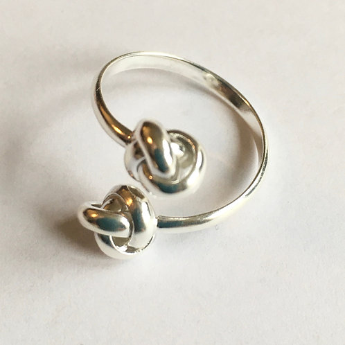 Friendship Knot Open Front Ring
