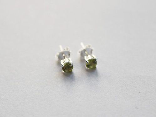 Natural Facetted Peridot Stud Earrings