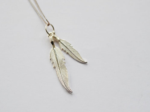 Double Feathers Pendant