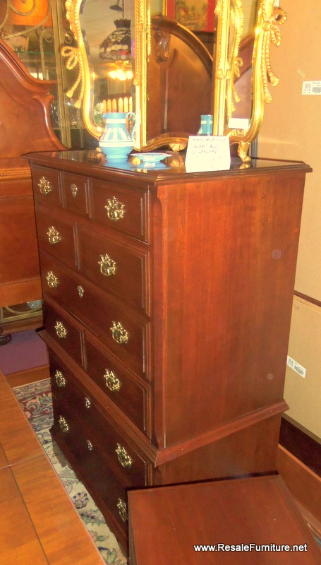 Incroyable Bedroom: Dressers, Chest, Nightstands | Resale Furniture ...