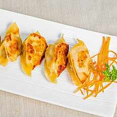 Handcrafted Pork & Napa Cabbage Potstickers (6)