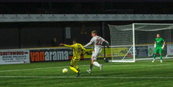 Bradley Pearce - Sutton United Professional Contract