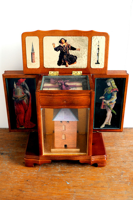 'Chasse for Copernicus', 2011, 35.5 x 35.5 x 15.5 cm